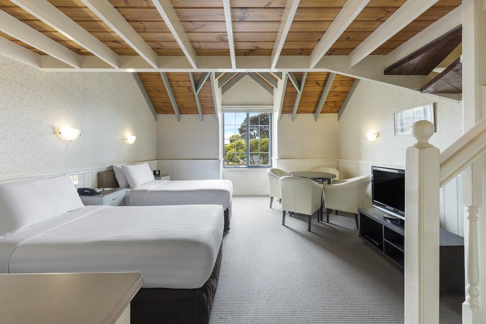 best-western-olde-maritime-warrnambool-hotel-family-mezzanine.jpg