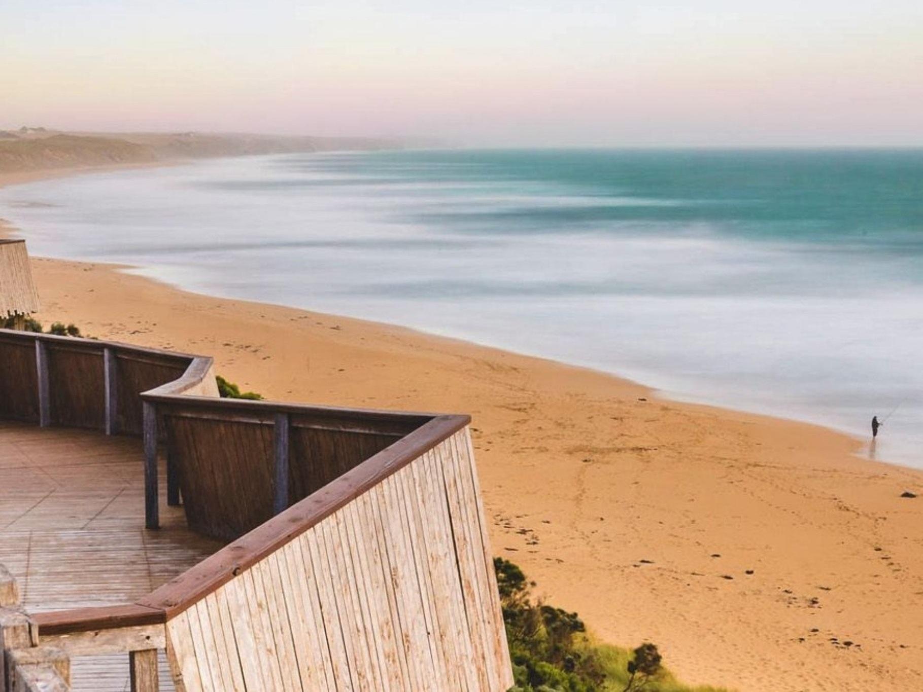 best-western-olde-maritime-warrnambool-motel-hotel-accommodation-whales.jpg