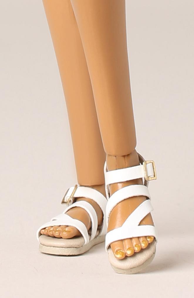 elyse jolie seduisante feet