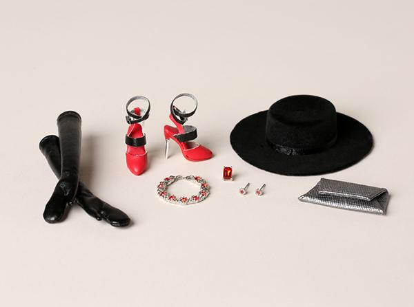 Adele Makeda exquise doll accessories
