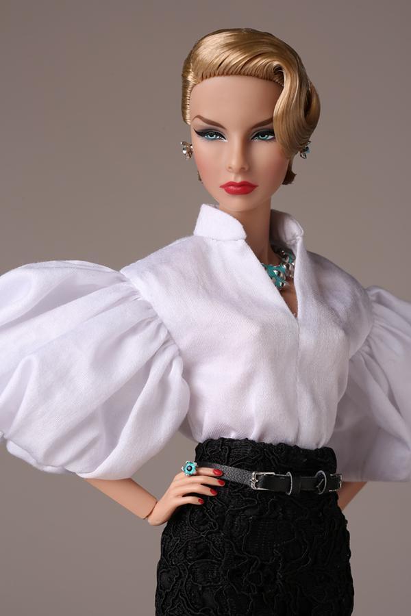 Agnes Von Weiss merveilleuse doll close up 1