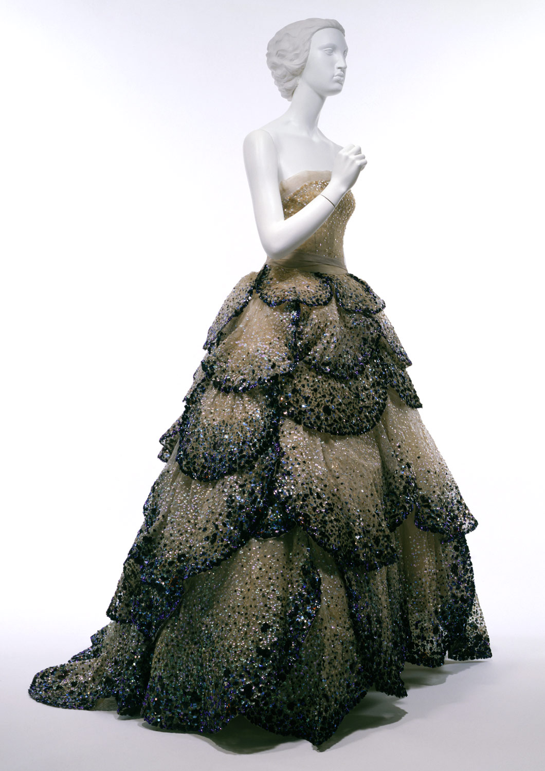 """Junon"" - at the Metropolitan Museum of Art, Costume Institute.    Design House:  House of Dior (French, founded 1947)    Designer:  Christian Dior (French, Granville 1905–1957 Montecatini)    Date:  fall/winter 1949–50   Culture:  French   Medium:  silk, plastic   Credit Line:  Gift of Mrs. Byron C. Foy, 1953   Accession Number:  C.I.53.40.5a–e"