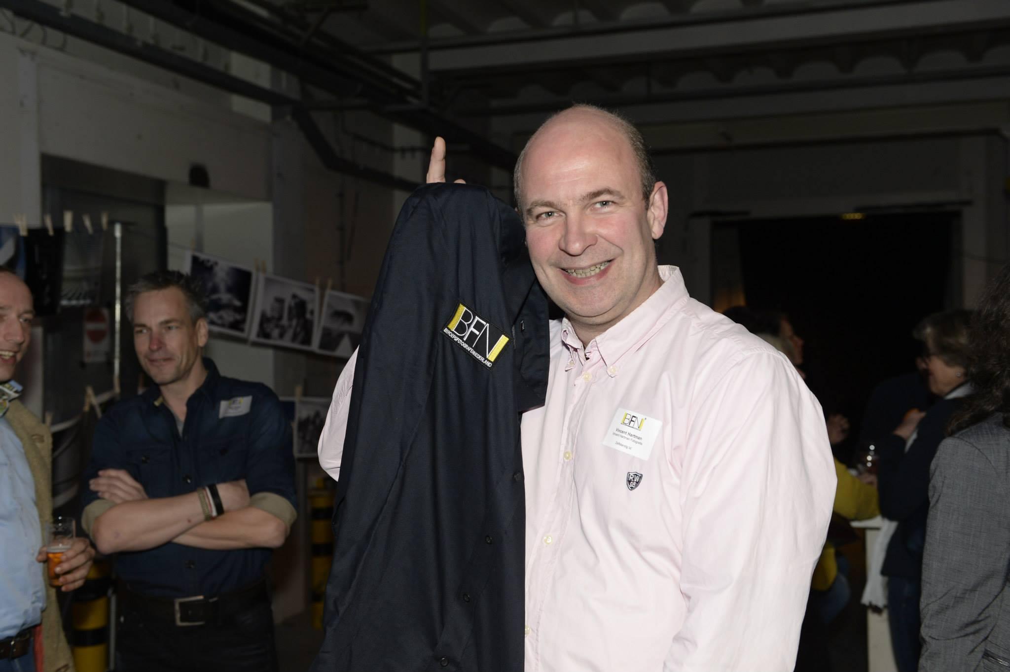 Op de geslaagde slotavond van de BFN in 'de Nieuwe Stad' te Amersfoort scoor ik op de valreep nog een BFN overhemd (die nog past ook!).