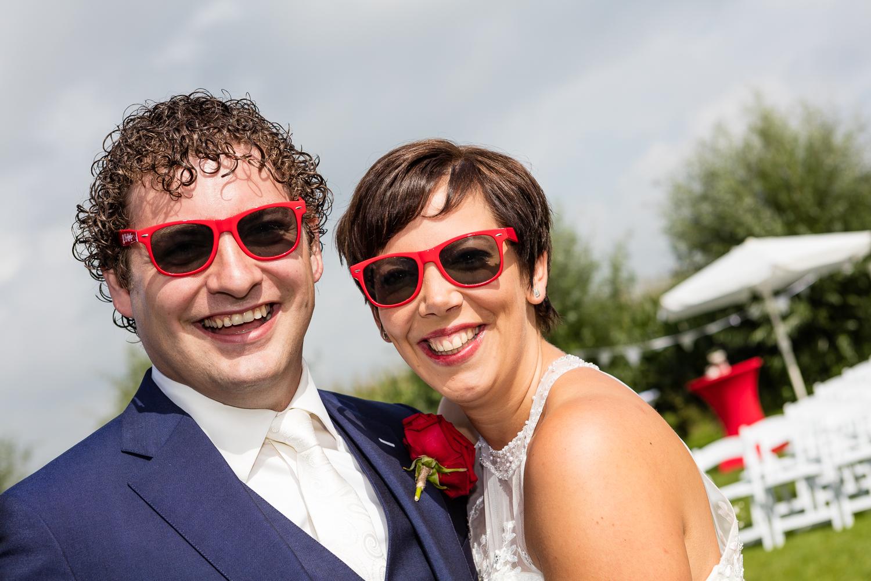 Ellen & Chiel met de 'selfie-zonnebrillen'.