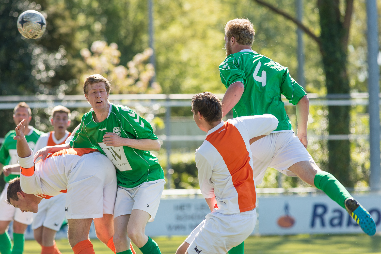 Mark Oosterlaar scoort het eerste doelpunt