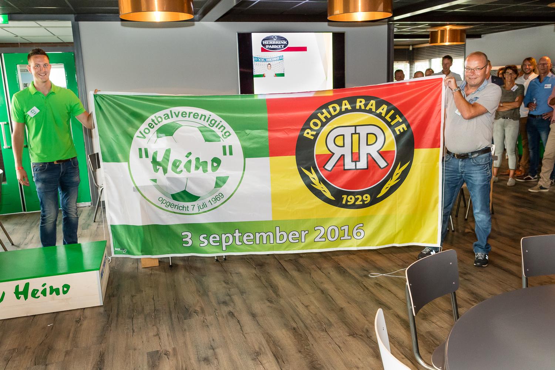 Ferdi Zwerink onthulde met dit unieke exemplaar de nieuwe vlaggenservice van Sonodruk.