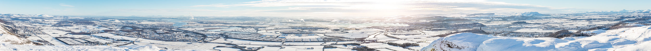 Een winter panorama: The Forth Valley from Dumyat.