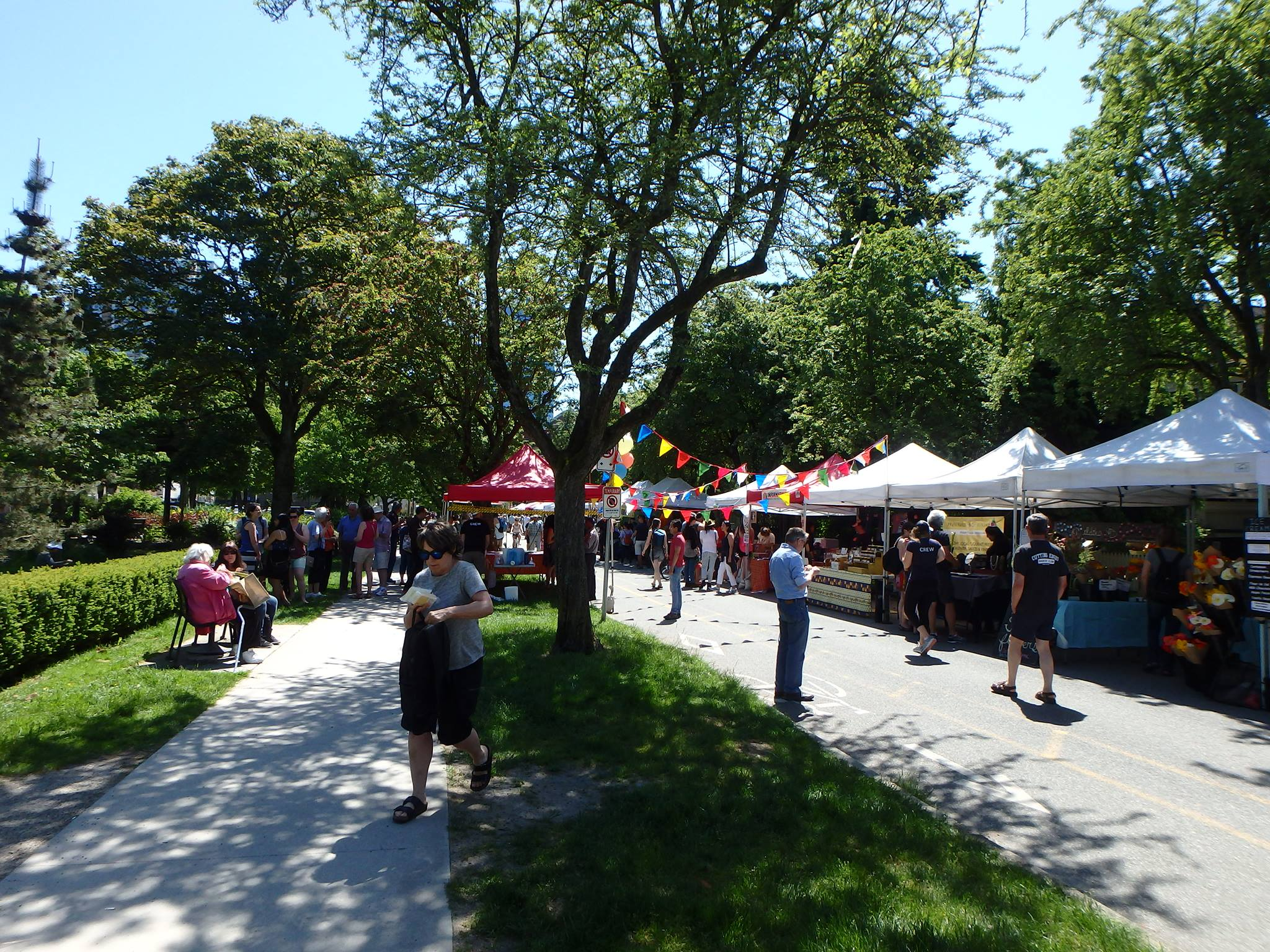 The West End Farmers Market returns for its 20th year. (Linda Lawson Photo)