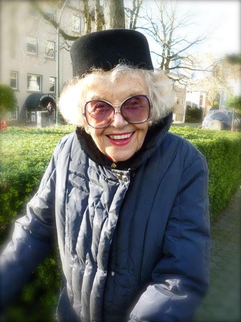 Vera Hollander.