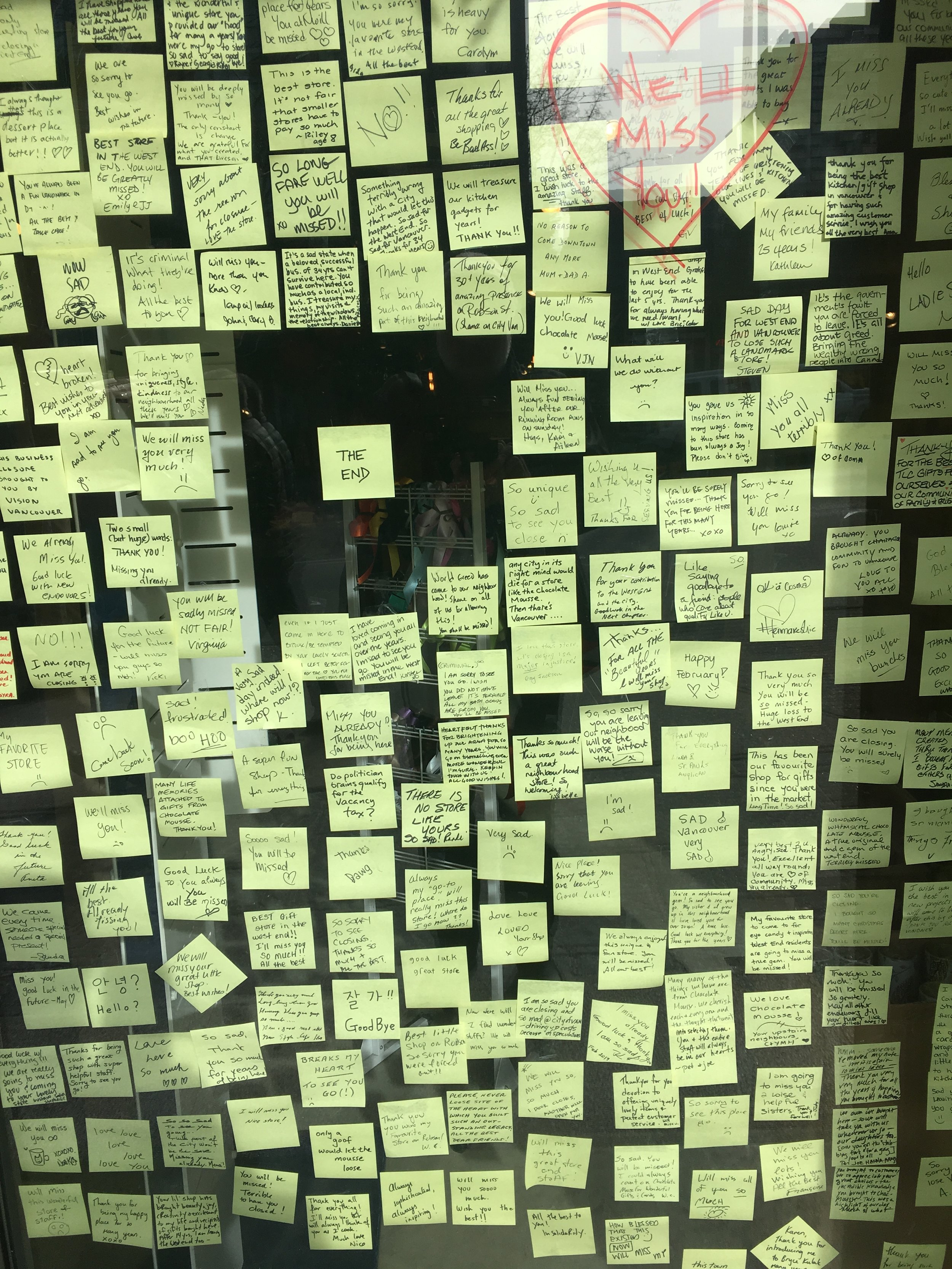 Devoted customers left farewell messages on the window of Chocolate Mousse. Click on image to enlarge.