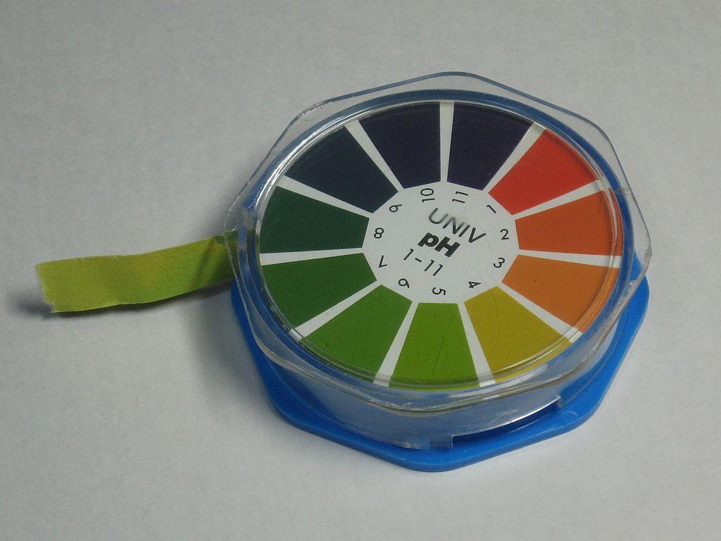 pH Indicator Roll. Source:http://fi.wikipedia.org/wiki/PH-indikaattori#mediaviewer/Tiedosto:PH_indicator_paper_roll.jpg