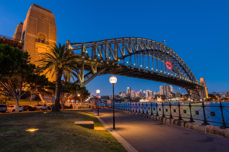 017_Harbour Bridge with a Kiss.jpg
