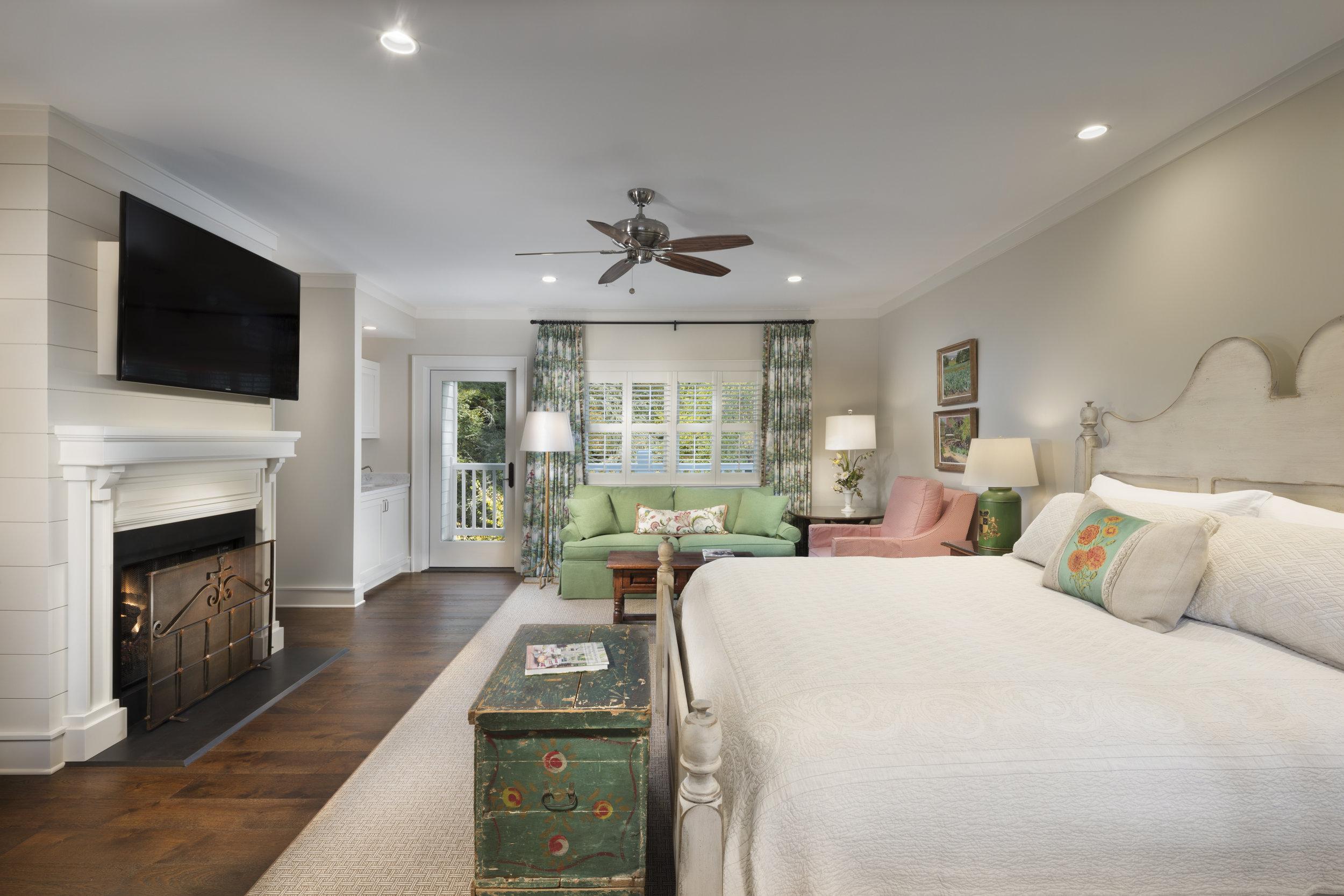 Woodland Suite bedroom.  Photo courtesy of Half-Mile Farm.