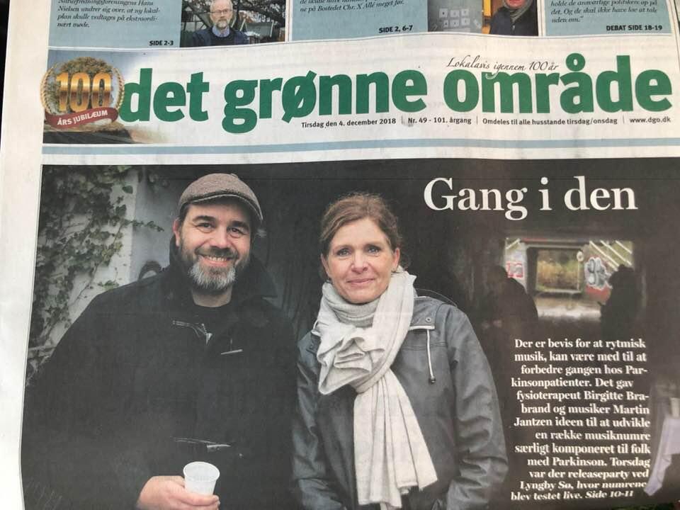 Forsiden af den lokale avis som var med til vores udgivelse af den nye musik.