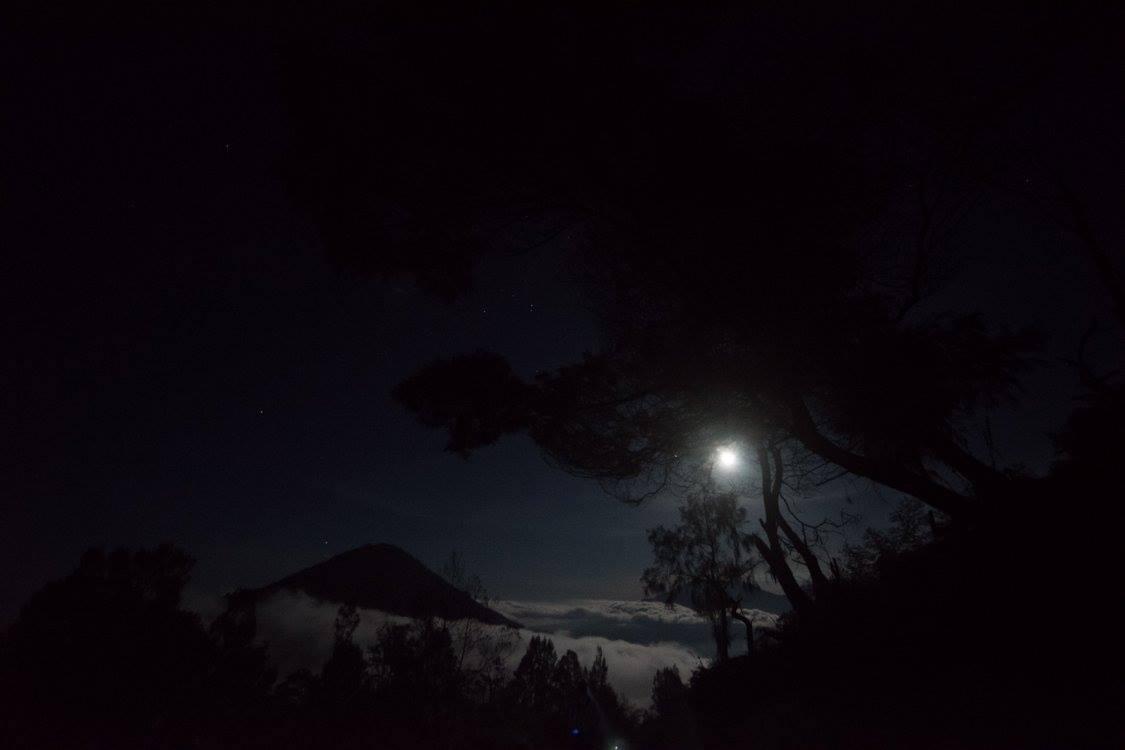 Ijen2 night.jpg