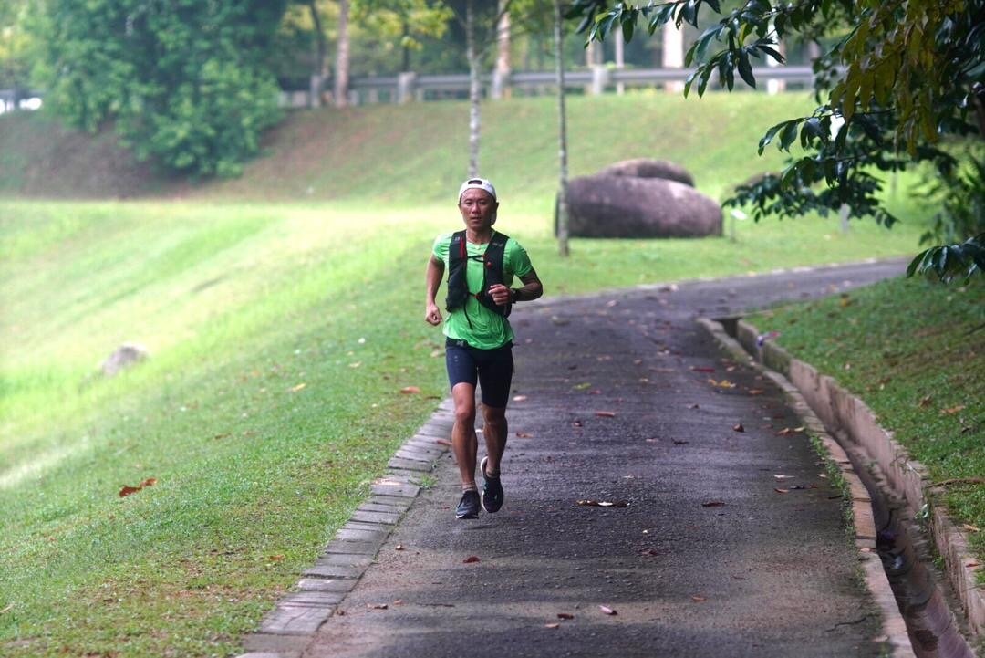 Steven Ong on the way to victory in EcoTrail Putrajaya / Photo credit: Fadil Othman