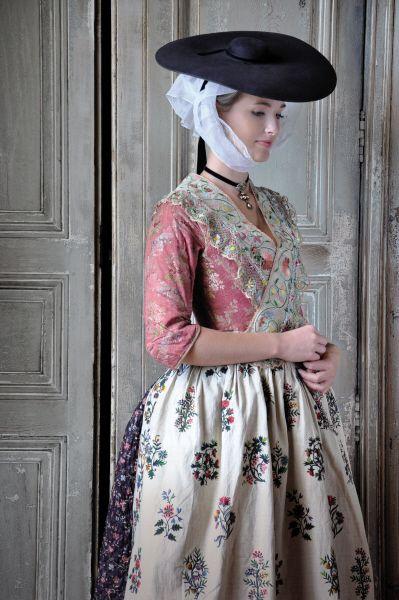 Costume from Arles region,cca. 1780  Photo credit -  Fragonard