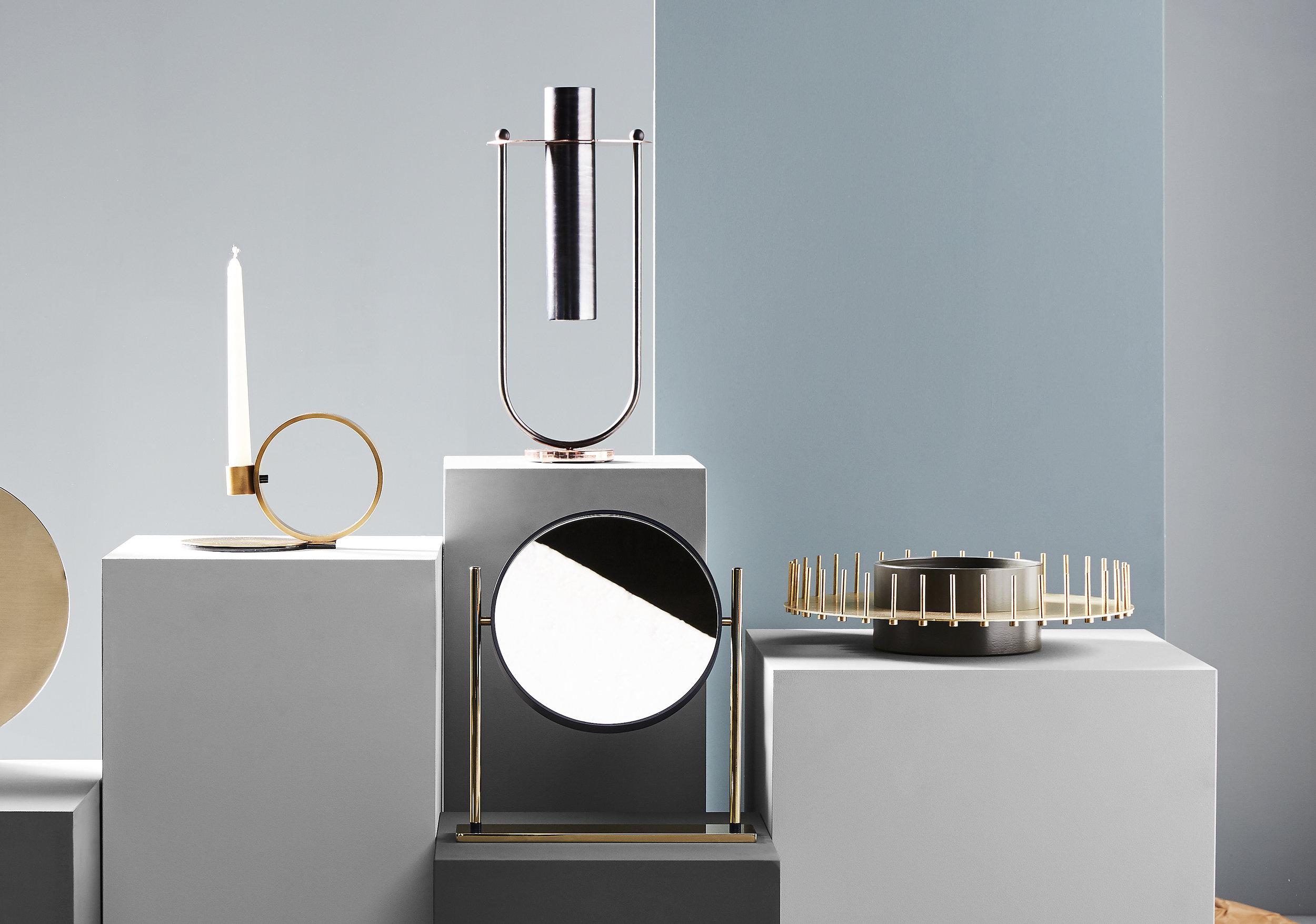 Elletra  Vase and  Mirrò  mirror designed for  Mingardo  on display at Maison&Objet, January 2018 ©  Maison&Objet