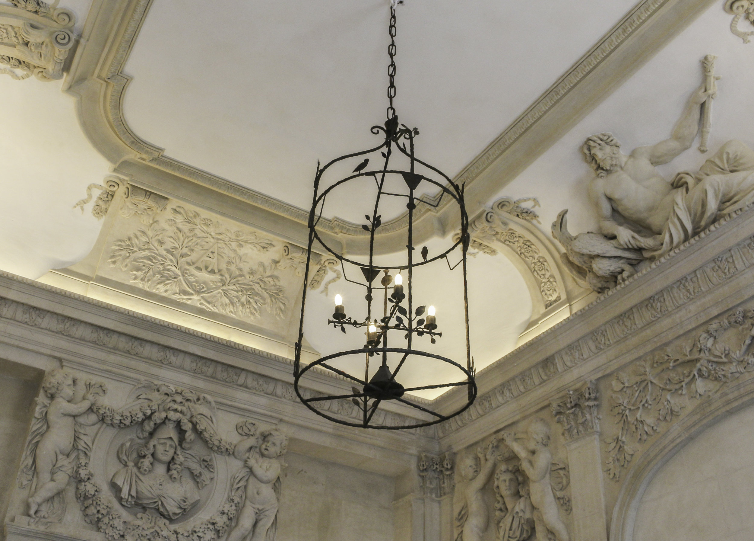 Diego Giacometti ceiling lantern at Picasso Museum Paris ©  Creative Commons