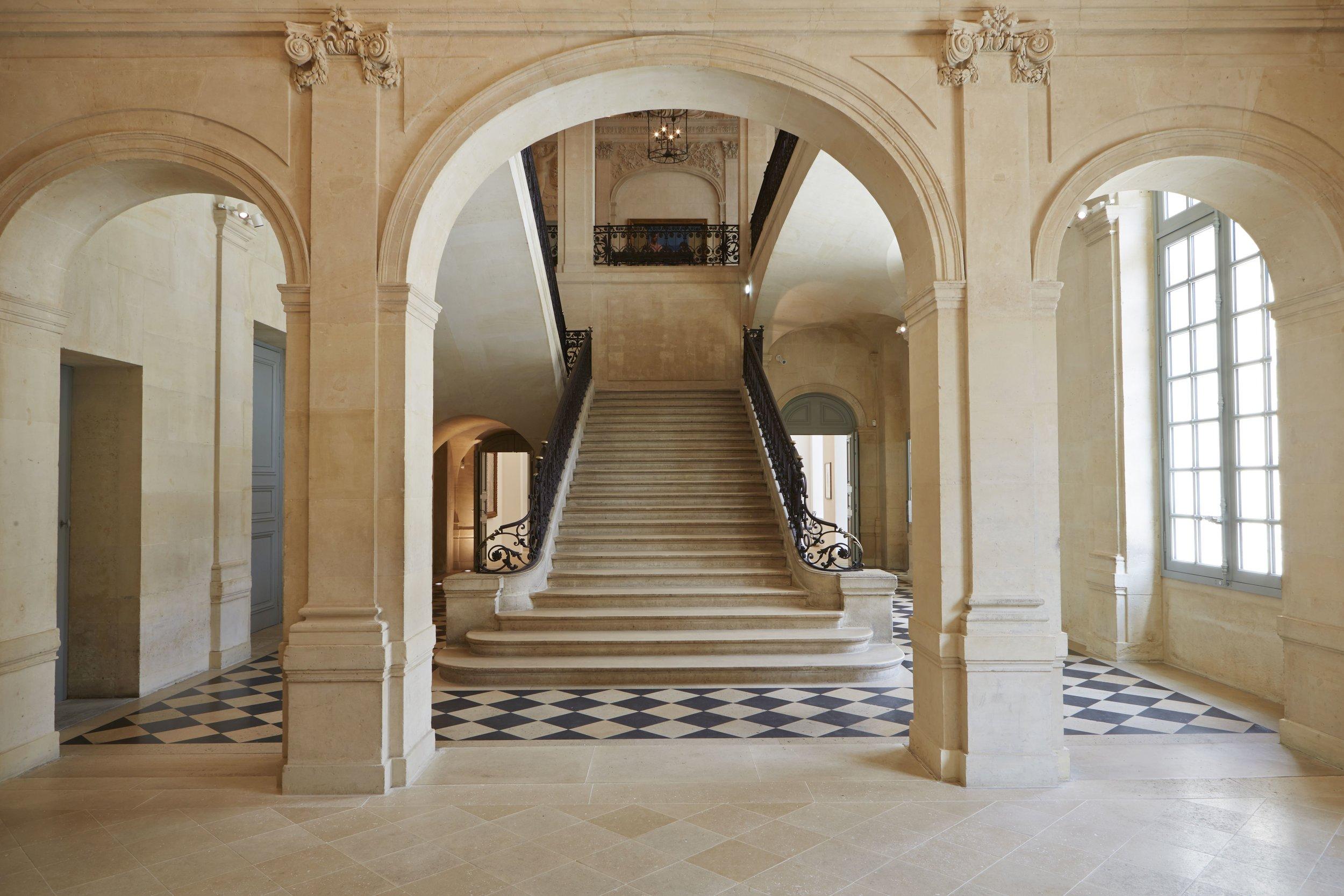"""""""L'escalier d'Honneur"""" at Musée National Picasso in Paris. © Fabien Campoverde"""
