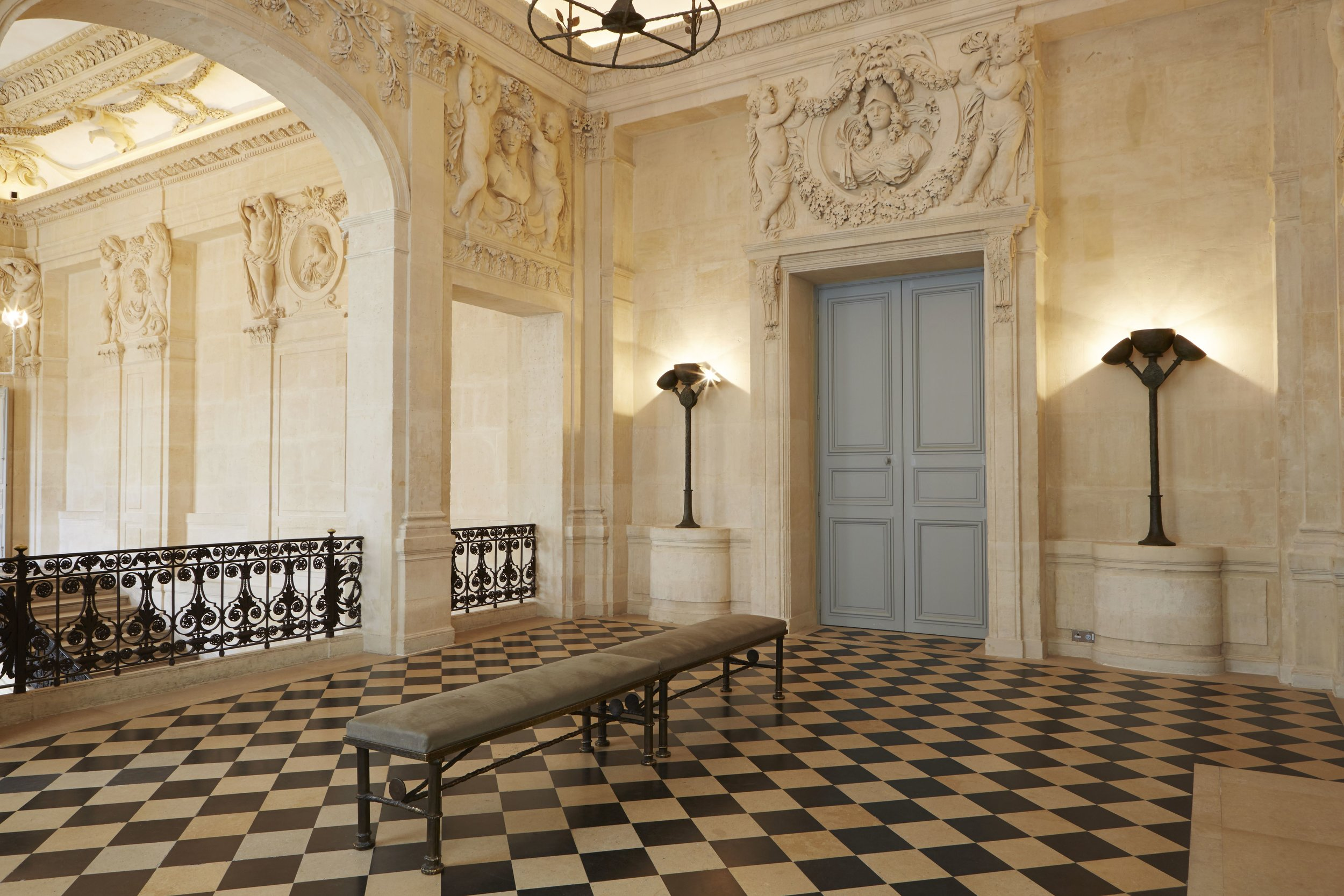 Diego Giacometti's torchères and benches in the Jupiter Salon © Fabien Campoverde