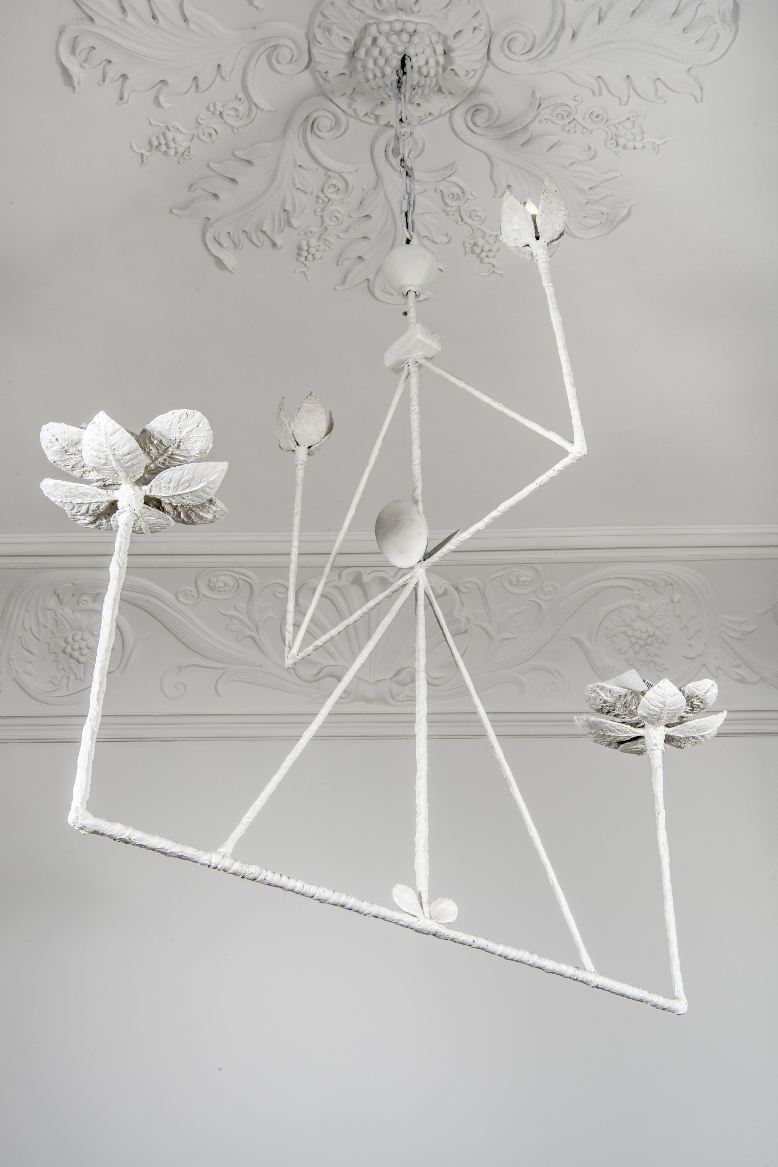 Diego Giacometti (1902-1985)  Chandelier with four branches [1982-1984] executed at Robert Haligon Studio, Périgny-sur-Yerres, on display at Musée national Picasso-Paris; white resin, 135 x 140 x 100 cm ©Philippe Fuzeau/ Musée national Picasso-Paris