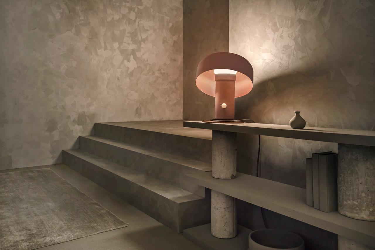 Pivot  table lamp, 2019 ⓒ Andre Paul Pinces Design: Lukas Peet