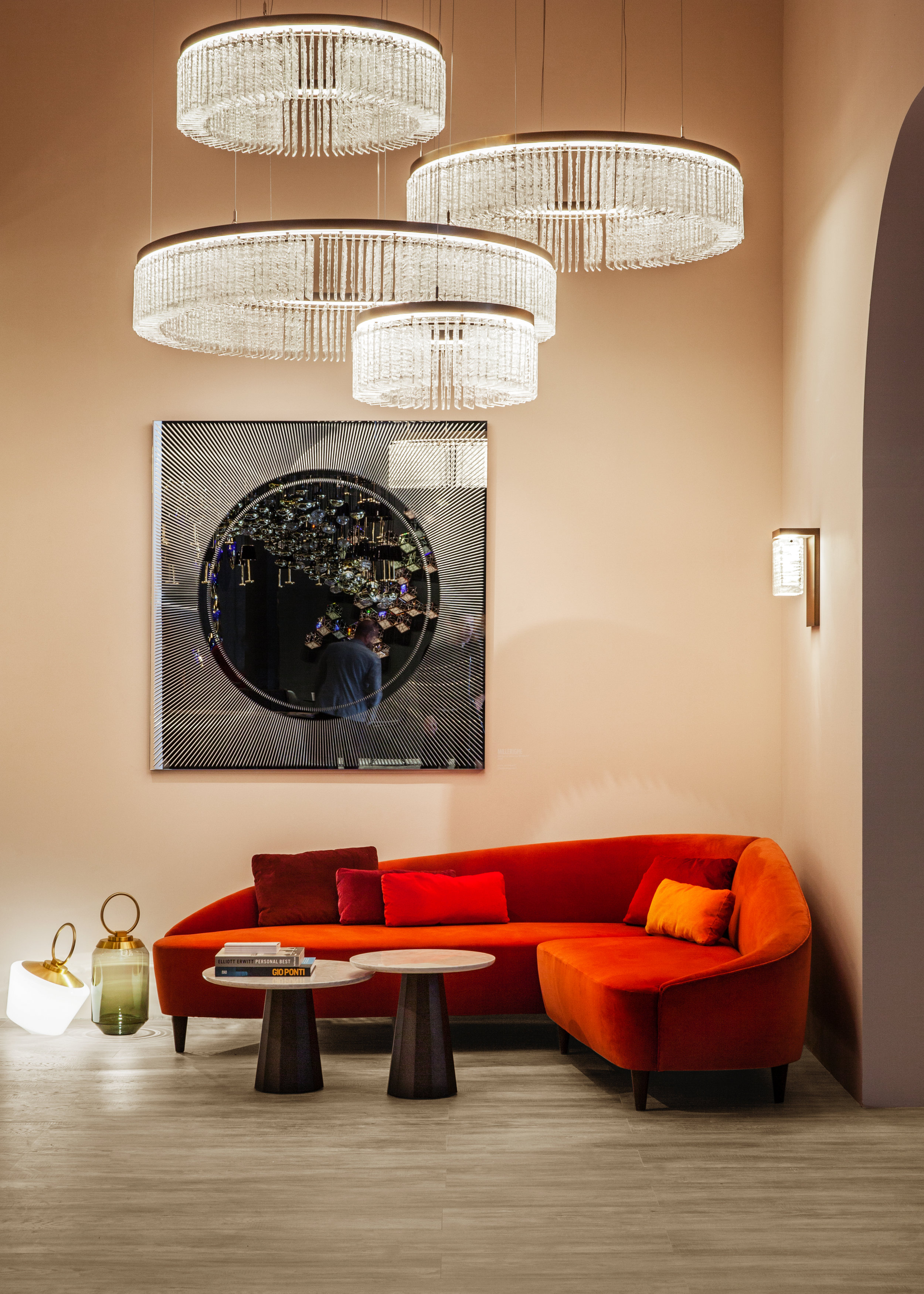 Ice  Murano glass chandelier, Euroluce 2019 ⓒ Veronese Design: Reda Amalou