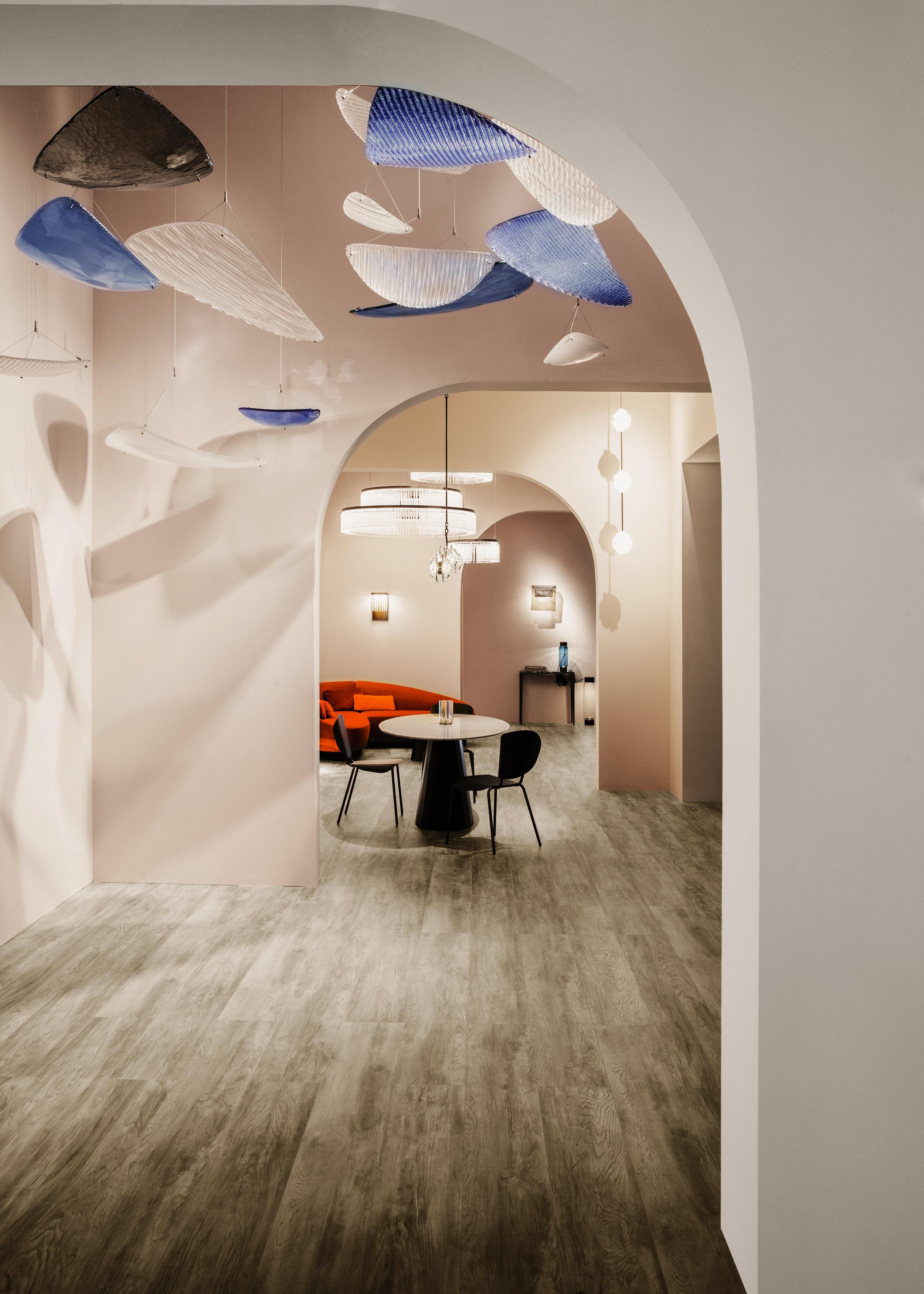Vela  chandelier, Euroluce 2019 ⓒ Veronese Design: Constance Guisset