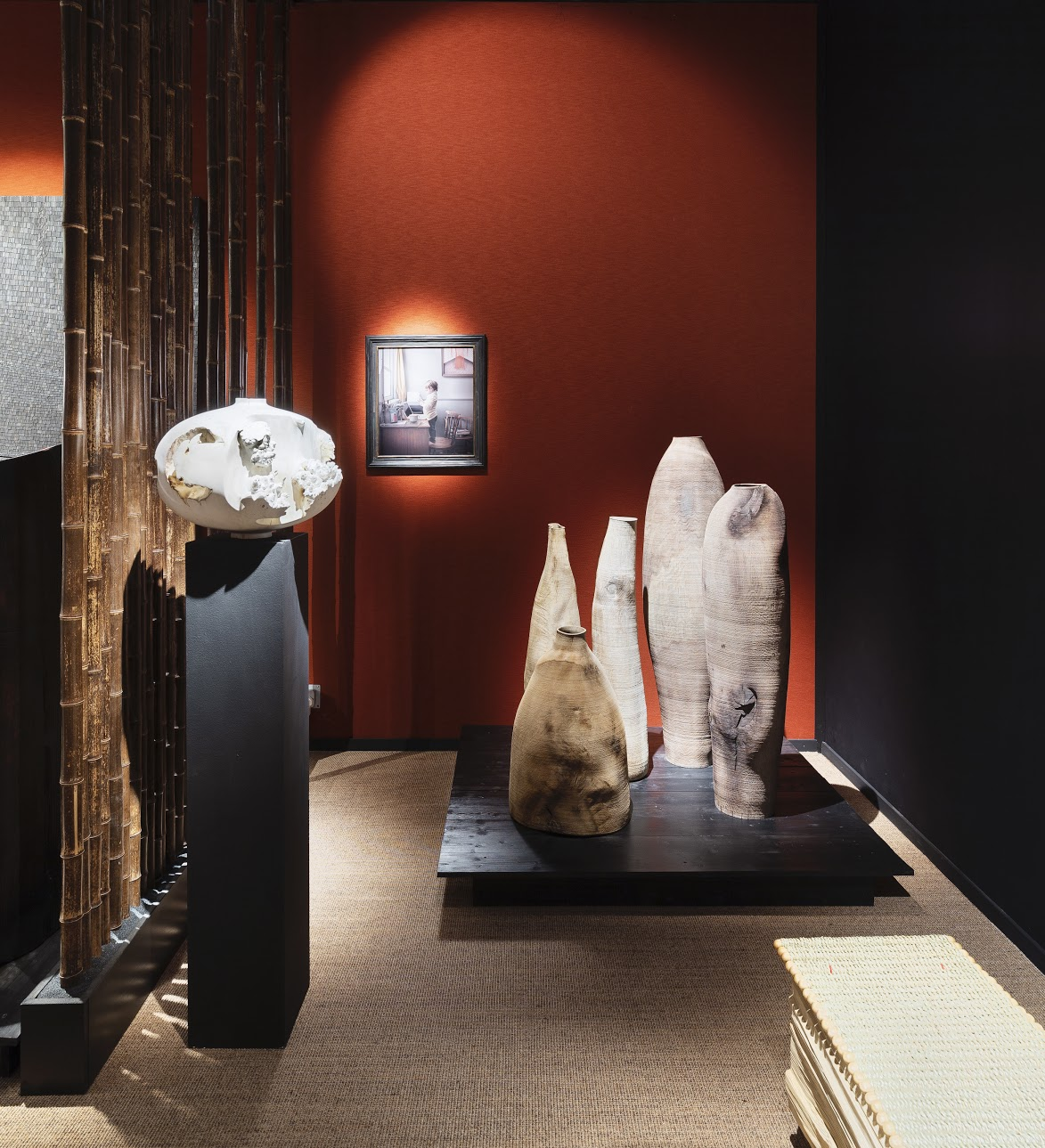 Sarah Myerscough Gallery at Masterpiece London 2019 ⓒ Ollie Hammick  On display Eleanor Lakelin's  Echoes of Amphora  (left), Ernst Gamperl's vessels (right) and Maisie Broadhead's  Malou Study  (background)