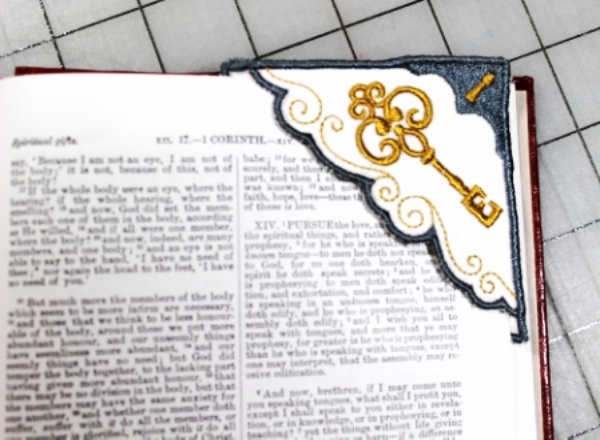 In-the-hoop Bookmark
