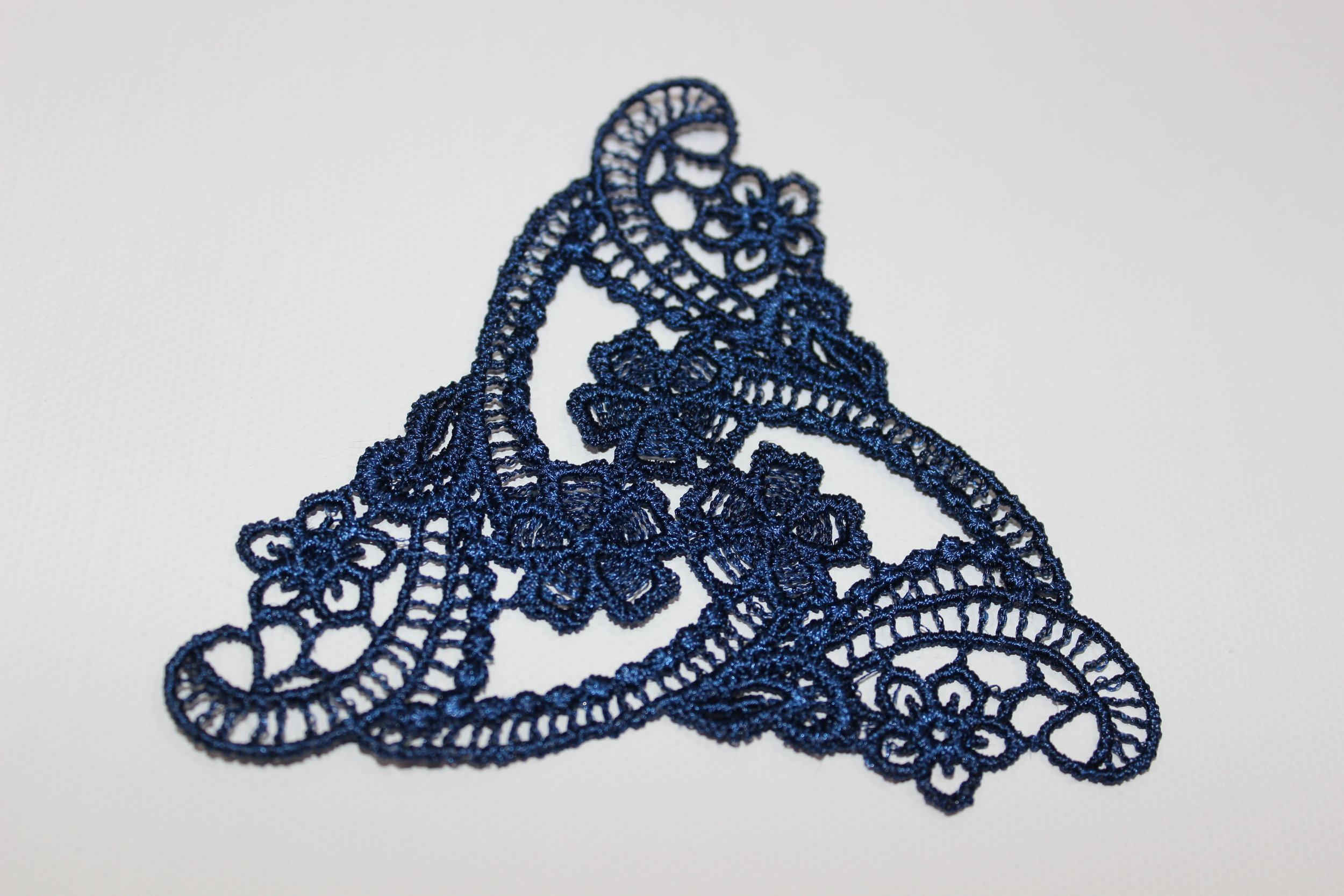 "Free ""Lace Gift"" machine embroidery design by  Sue Box Creations"