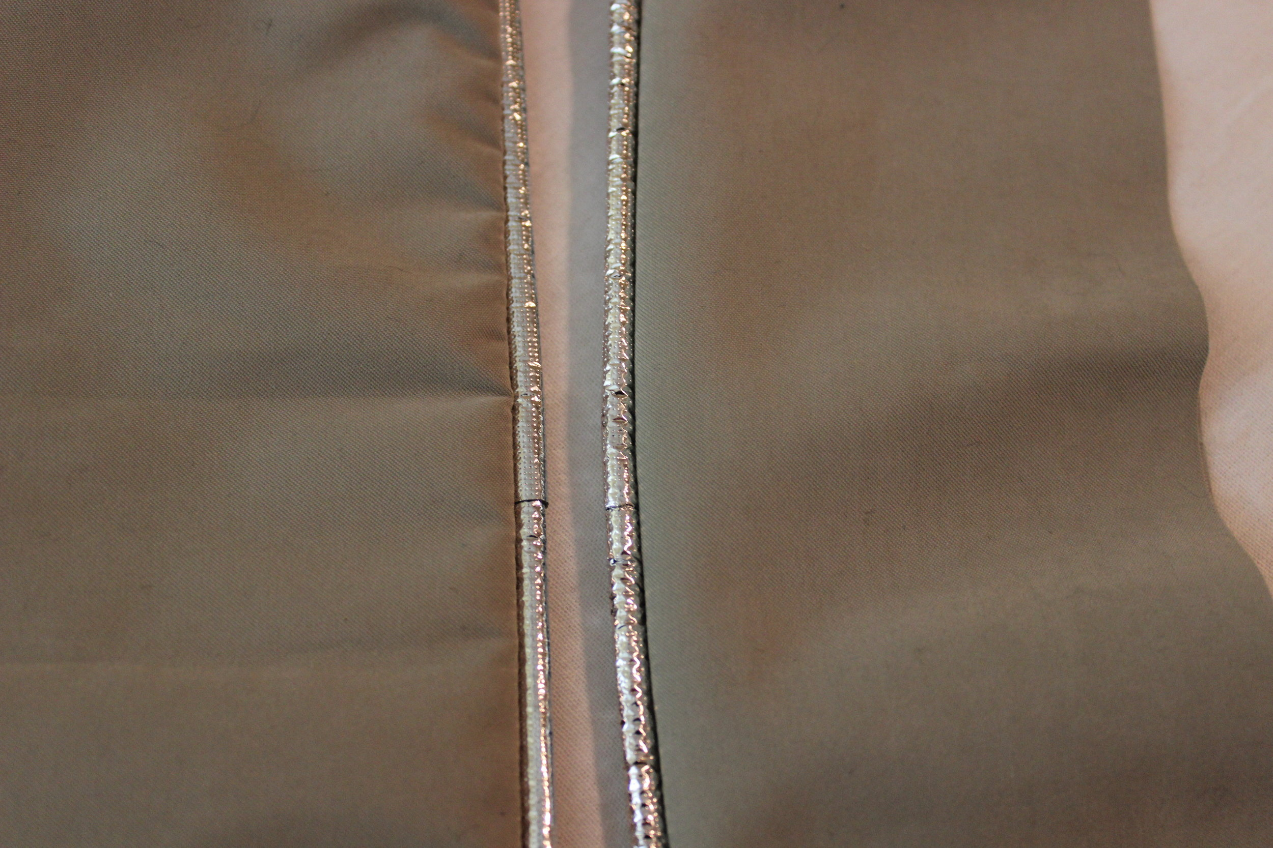 No seam on the left and with a seam on the right