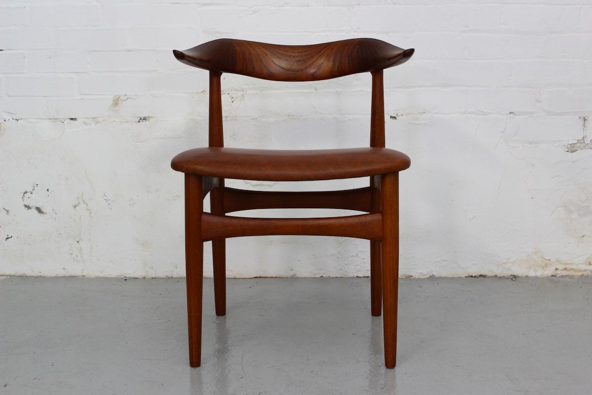 Knud Faerch teak 'Cowhorn' chair - Slagelse Mobelvaerk, Denmark.
