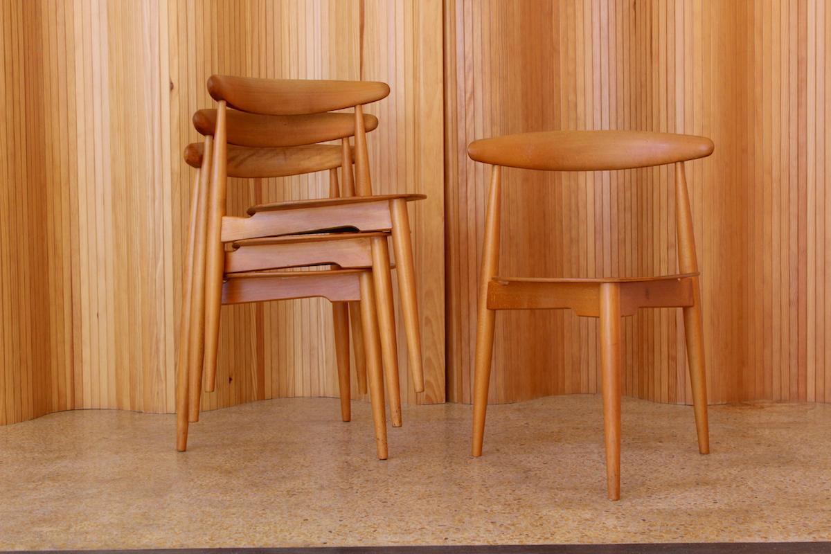 Hans Wegner 'heart' chairs - model FH4103 - Fritz Hansen
