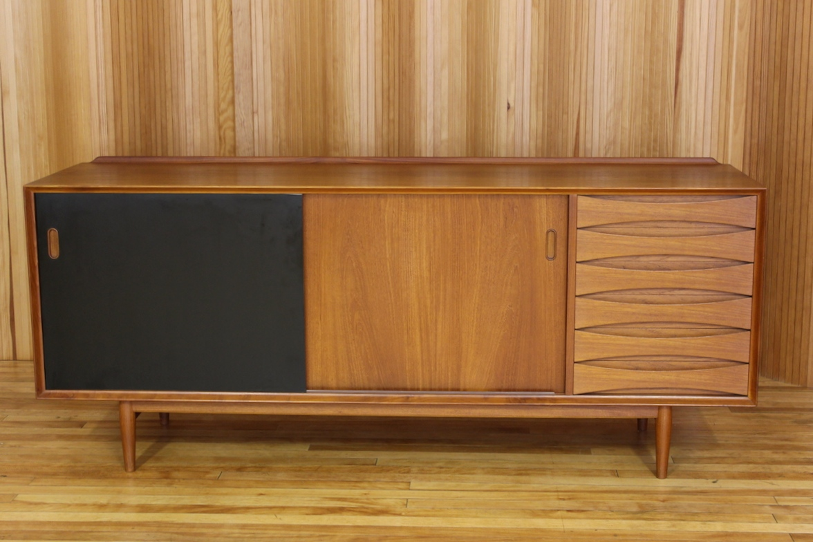 Arne Vodder teak 'triennale' sideboard - model OS29 - Sibast Mobler, Denmark