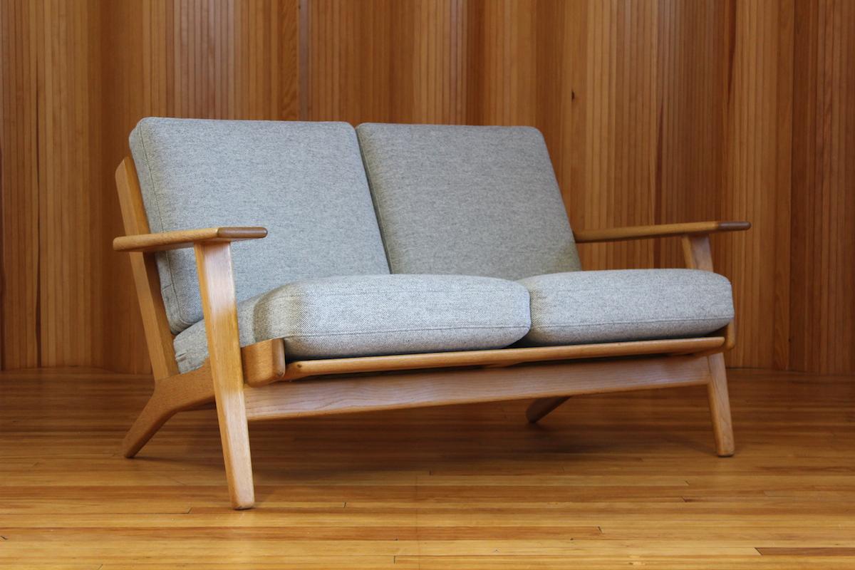 Hans Wegner GE-290/2 oak sofa - manufactured by Getama, Denmark