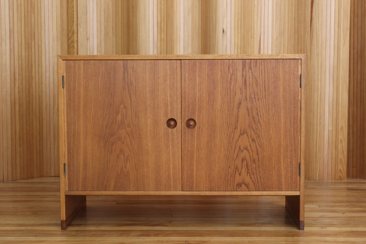 Hans Wegner Ry Mobiler oak cabinet