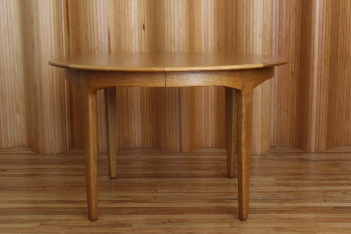 Henning Kjaernulf oak extending dining table, Soro Stolefabrik, Denmark