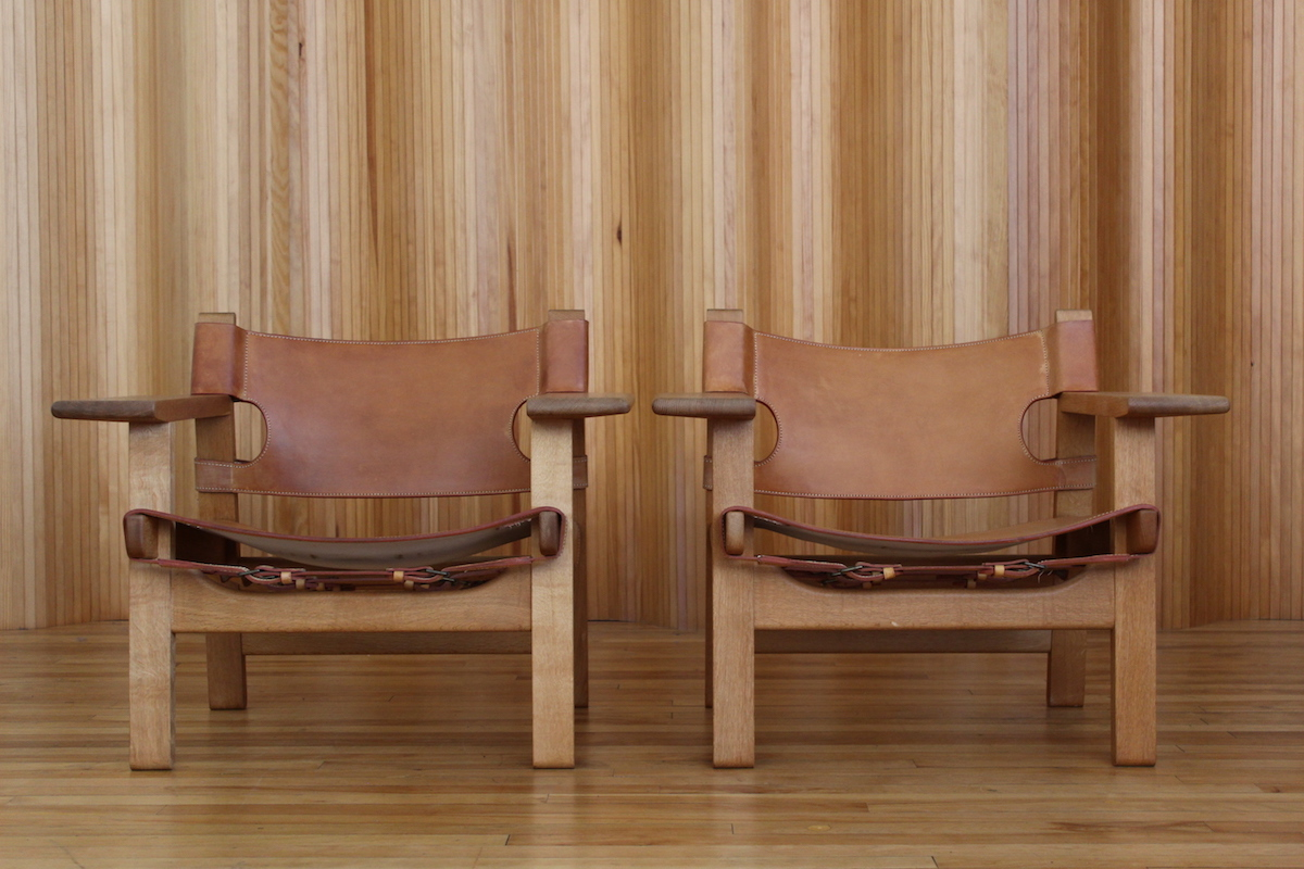 Pair of Borge Mogensen Spanish chairs Fredericia Stolefabrik Denmark
