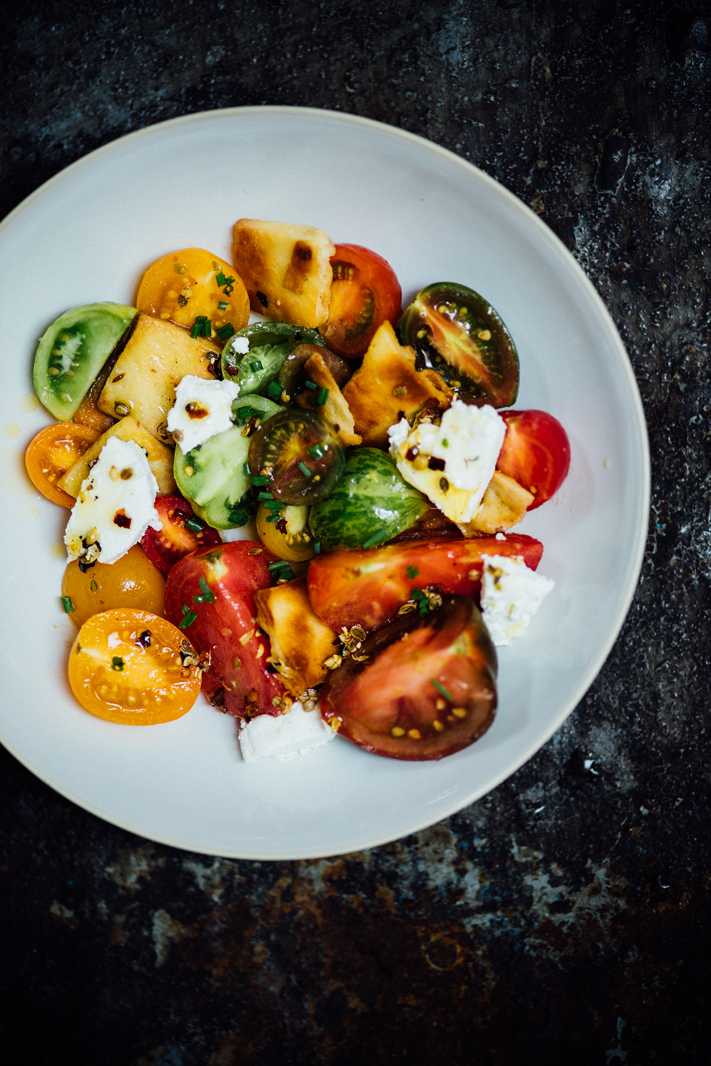 toasted naan and tomato salad for SFChronicle | Nik Sharma
