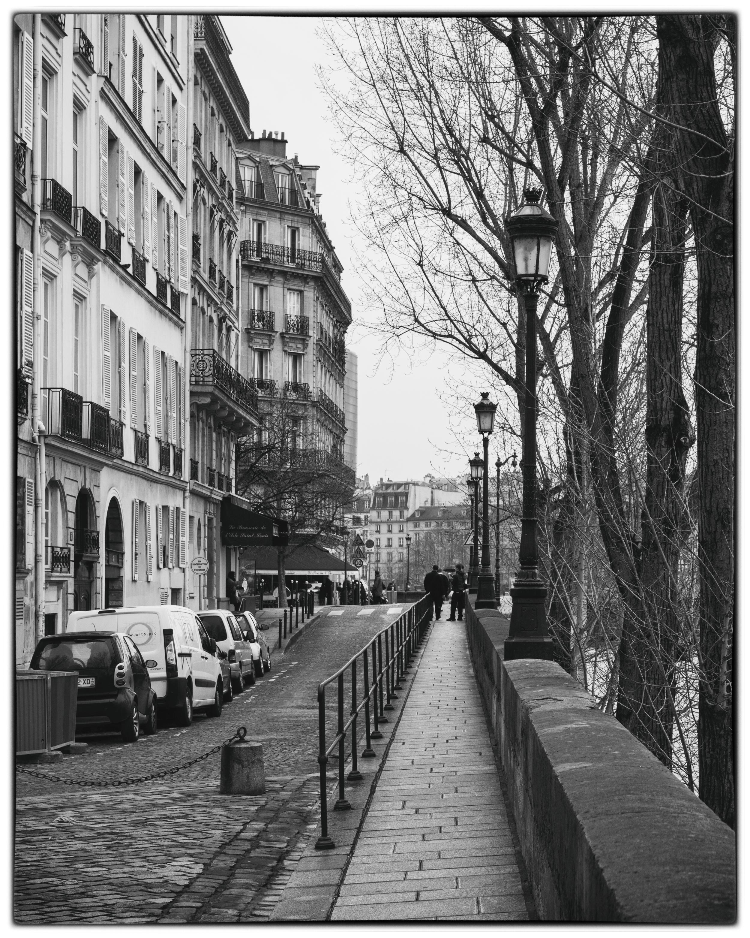 Scène de la Rue: Île de la Cité