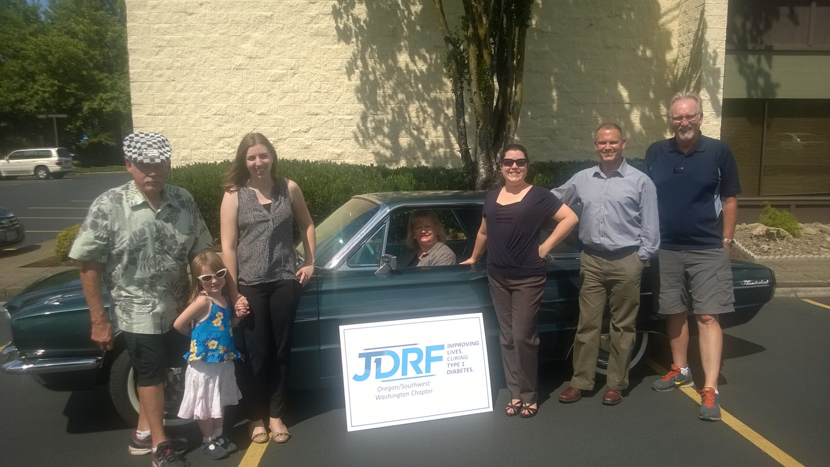 Oregon/SW Washington Chapter JDRF staff with Joe, Jim, their co-granddaughter and the Thunderbird.