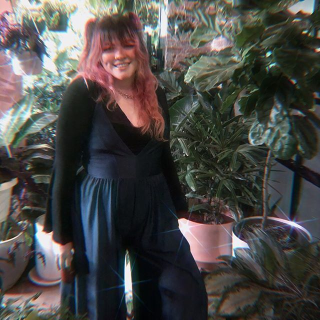 Thursday was cute and lush at @greeneryunlimited 💚 Thank you, @sofarnyc @soundmind_live @namicommunicate for having us 🌿🌿🌿 Come catch us tonight at Rockwood Music Hall! Music starts at 8pm, we hit the stage at 10! 🐲