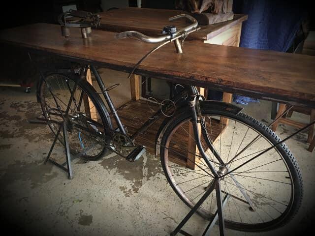 biketable2.jpg