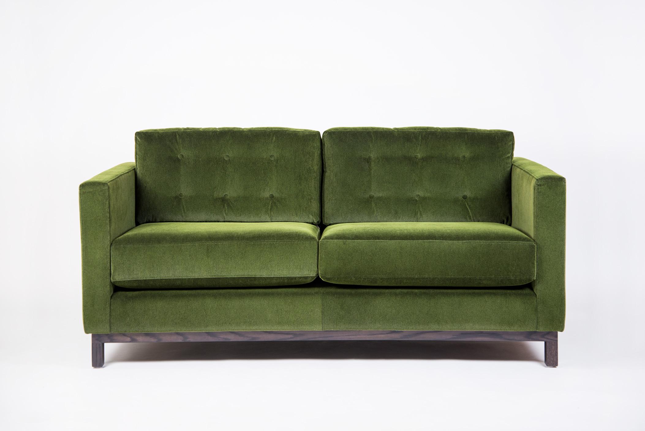 Disneys-Sofa.jpg