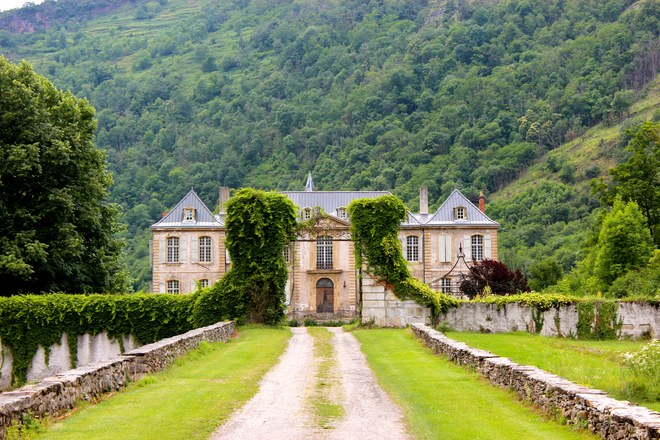 Inside the Revival of a Forgotten 18th-Century French Château
