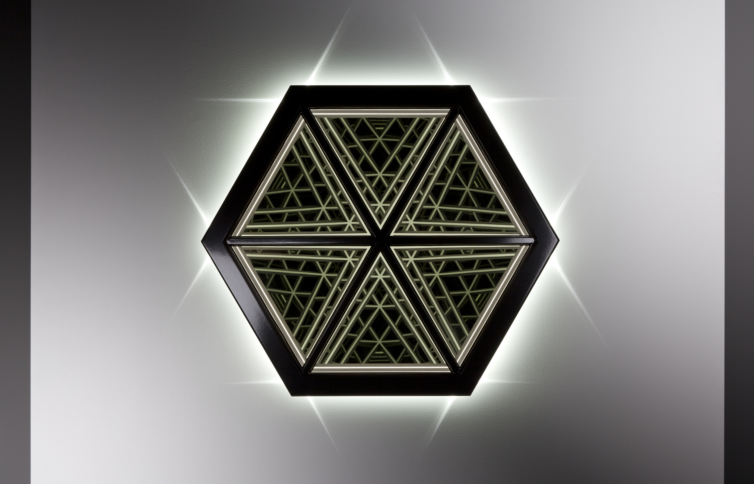Exhale , wood, mirror, reflective glass, MDF and LED lights,76 x 88 x 17cm. Photo: Pippy Mount.