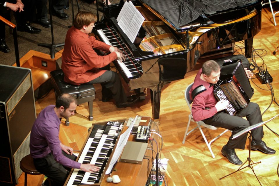 performing on Hammond Organ with Present Music in Milwaukee