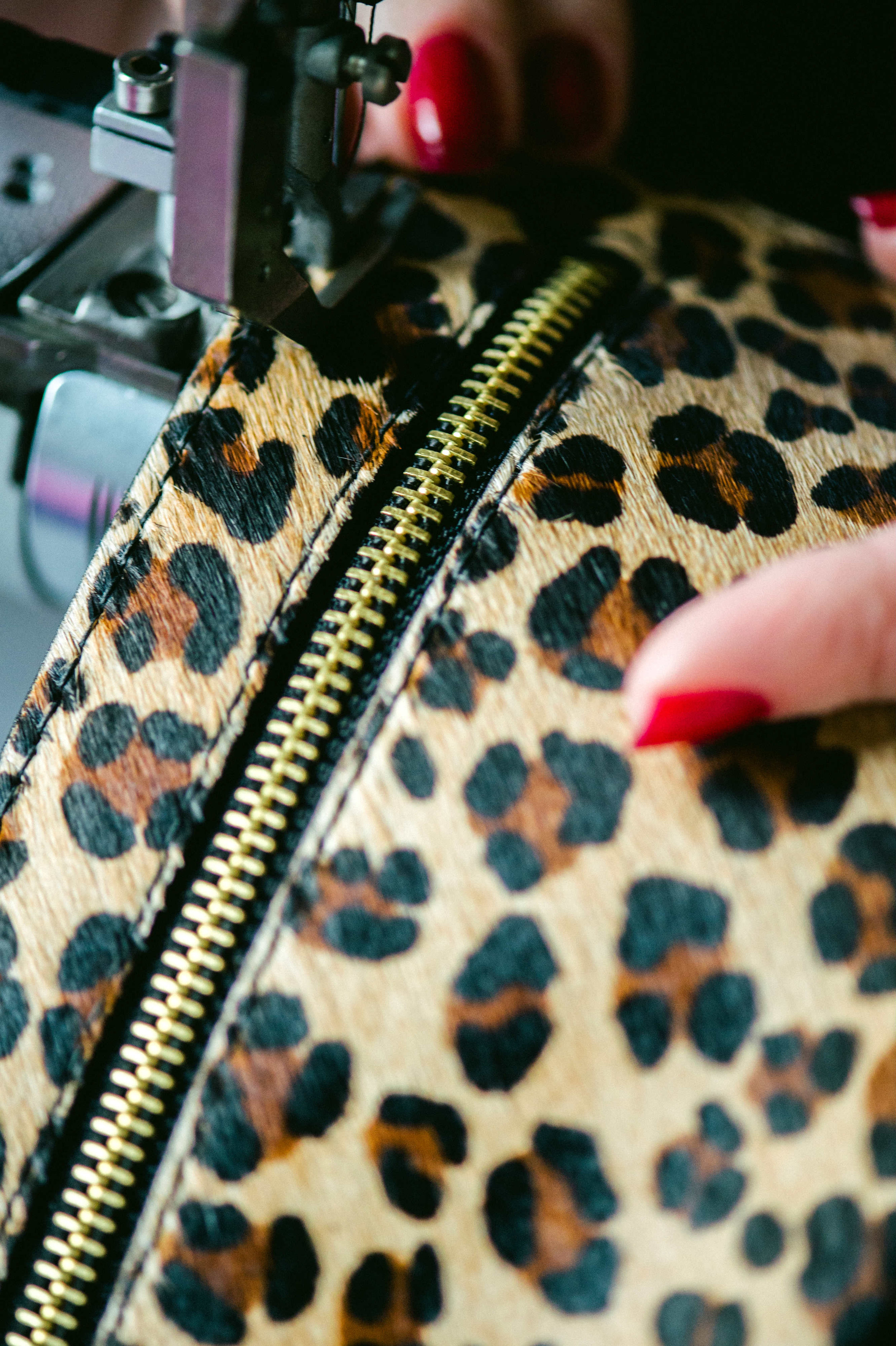 Aiva - Leopard -Close-up sewing.jpg